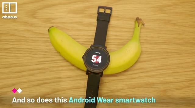 """Chuyện """"cười ra nước mắt"""" về chiếc vòng tay thông minh của Apple, Xiaomi - 1"""