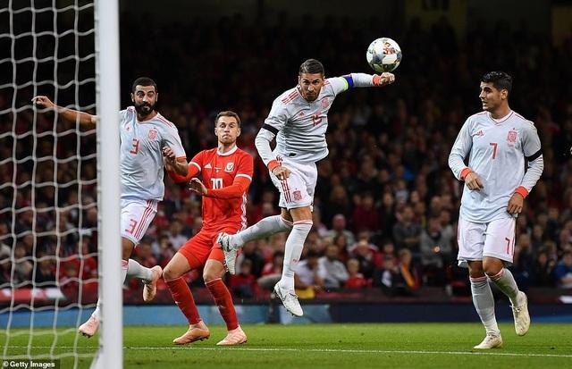 Ramos đánh đầu ghi bàn nâng tỷ số lên 2-0