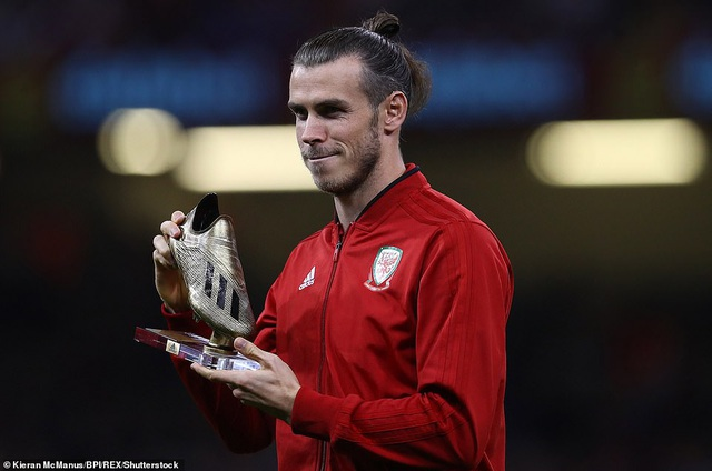 Bale được vinh danh trước khi trận đấu diễn ra