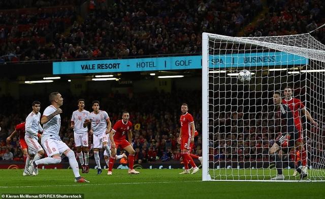 Bàn thắng danh dự được ghi ở phút 89 của Wales