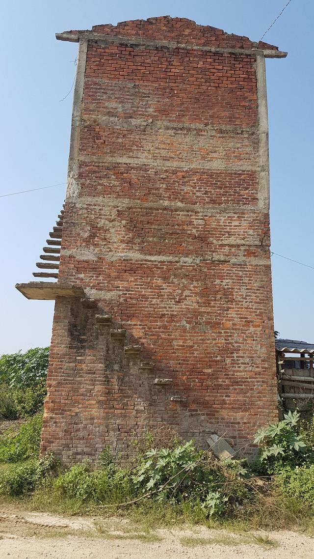 Xã Duy Vinh hiện có 5 lò gạch bỏ hoang, lò gạch này còn mới so với các lò gạch khác