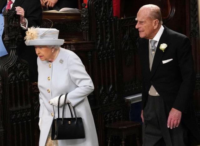 Nữ hoàng Anh Elizabeth II và Hoàng tế Philip.