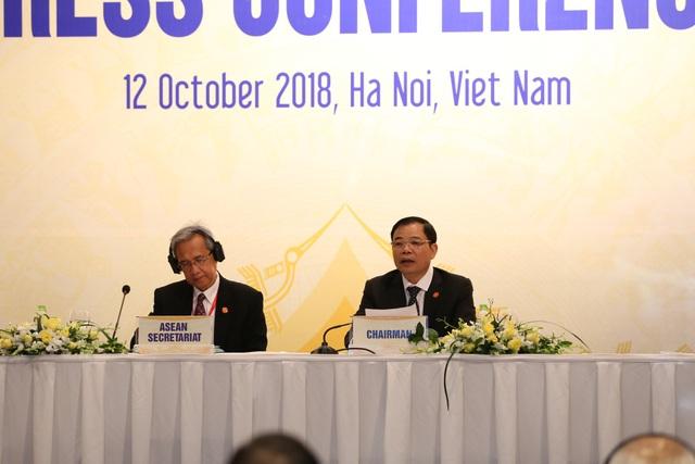 Bộ trưởng Bộ NN&PTNT Nguyễn Xuân Cường thông báo kết quả các hội nghị...