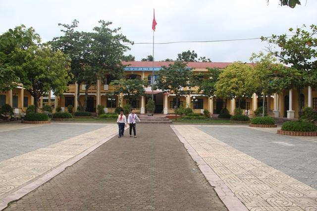 Những thế hệ trẻ hôm nay của làng Nguyệt Viên vẫn luôn tiếp bước cha anh, phát huy truyền thống chói ngời trong học tập.