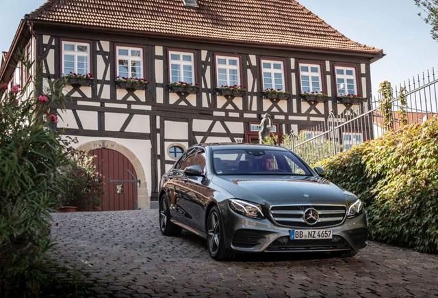 Mercedes-Benz ra hai phiên bản hybrid cho dòng E-Class - 2