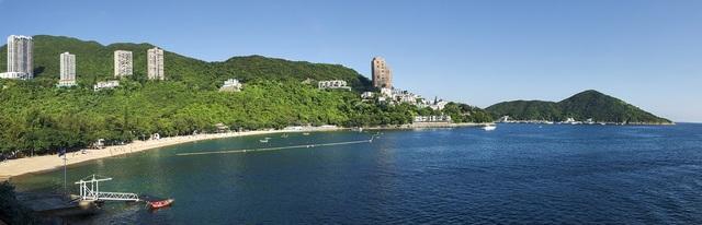 Được xem là nơi vượng khí, Vịnh Thâm Thủy thu hút nhiều tỷ phú, chính trị gia và người nổi tiếng