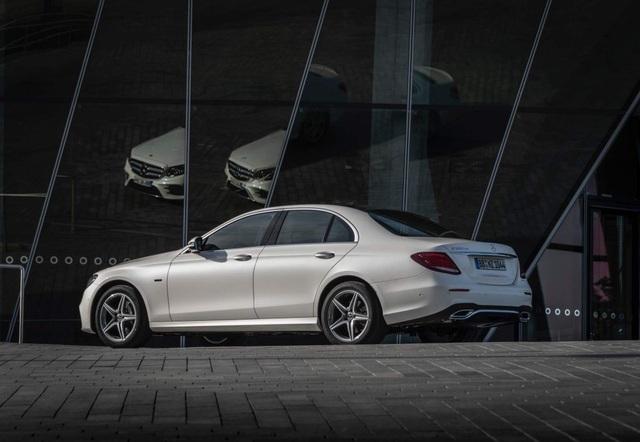 Mercedes-Benz ra hai phiên bản hybrid cho dòng E-Class - 3