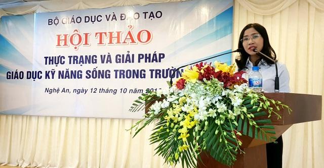 Bà Lê Thị Hồng Anh Chuyên viên Sở GD&ĐT TPHCM phát biểu.