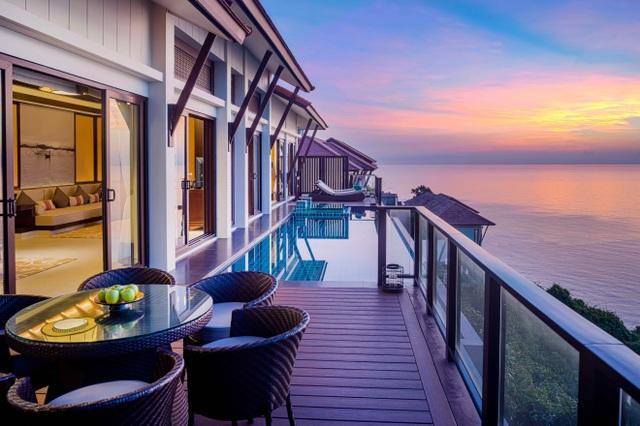 Biệt thự biển Banyan Tree Residences Lăng Cô mang kiến trúc đặc trưng của tập đoàn Banyan Tree và hoàng gia Huế