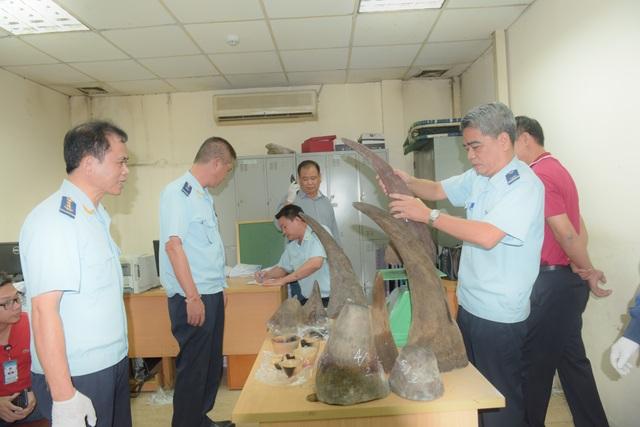 Bắt giữ hơn 34 kg sừng tê giác nhập trái phép tại sân bay Nội Bài - 1