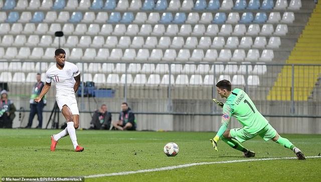 Rashford không ghi bàn dù có hai cơ hội ngon ăn khi đối mặt thủ môn Croatia