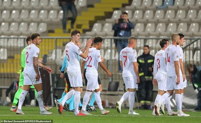 Nỗi thất vọng của đội tuyển Anh sau khi kết thúc hiệp 1
