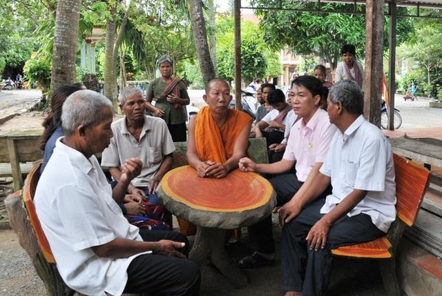 Để xây dựng xã Nông thôn mới, nhiều năm qua lãnh đạo xã Lương phi tăng cường công tác gắn kết dân tộc qua các sư sãi, làm tốt công tác tuyên truyền để người dân chung tay xây dựng nông thôn mới