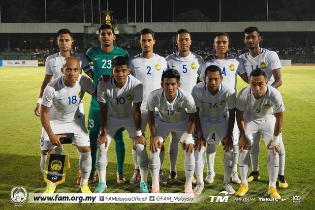 Malaysia hủy diệt Sri Lanka