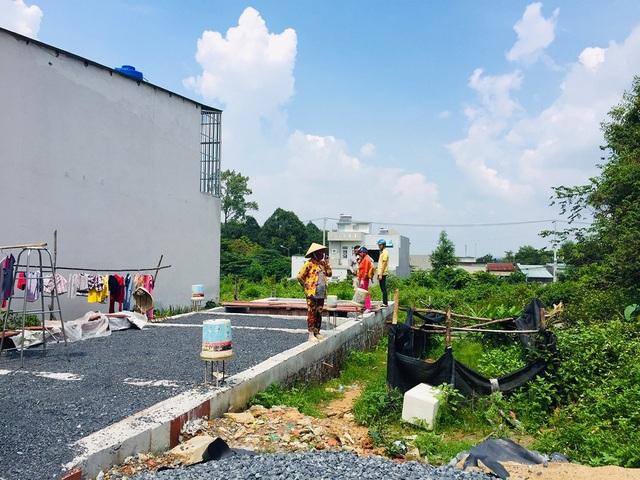UBND TP.HCM kiến nghị Thủ tướng Chính phủ và Bộ Xây dựng bỏ giấy phép xây dựng nhà ở riêng lẻ cho người dân. Ảnh: V.D