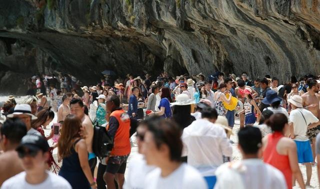 Khách du lịch đã phá hủy bãi biển du lịch nổi tiếng của Thái lan như thế nào? - 6