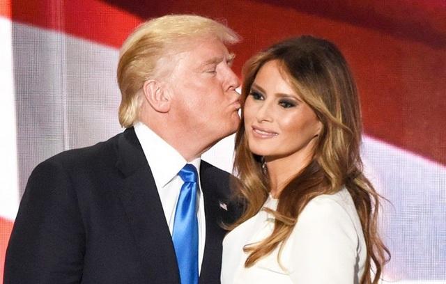 Đệ nhất phu nhân Melania và Tổng thống Trump (Ảnh: AFP)