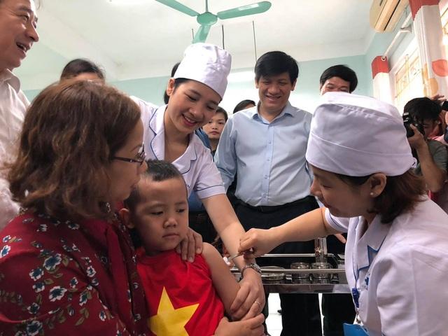 Bộ y tế kêu gọi tiêm vắc xin, giữ vệ sinh cá nhân phòng bệnh - 1