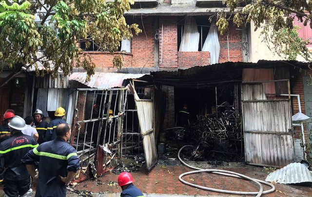 Một nạn nhân tử vong trong vụ cháy xưởng sản xuất ghế sofa.