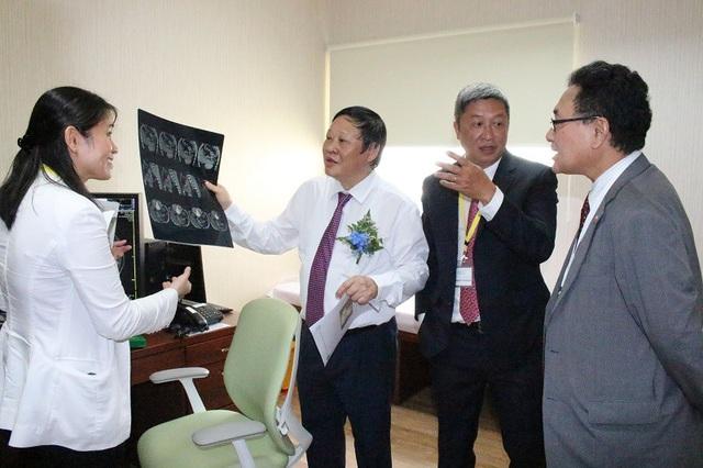 Trung tâm sẽ chăm sóc sức khỏe toàn diện cho người Việt và người nước ngoài