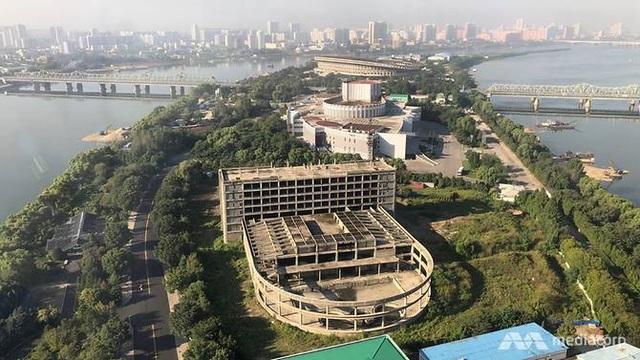 Khung cảnh Bình Nhưỡng nhìn từ khách sạn quốc tế Yanggakdo. (Ảnh: Media Corp)