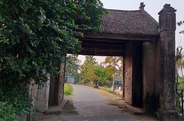 Đường Lâm là một xã thuộc Sơn Tây, Hà Nội, cách trung tâm Hà Nội khoảng 47 km. Từ lâu, điểm đến này được nhiều du khách yêu thích vì sự cổ kính và thanh bình.