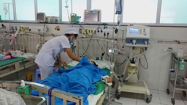 Em NND đang được điều trị tại BV Nhi đồng Cần Thơ.