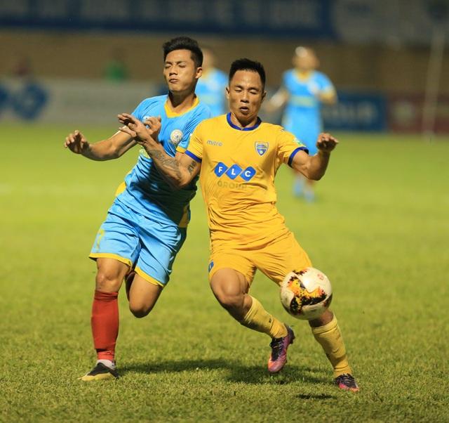 FLC Thanh Hoá cũng cần danh hiệu để chứng minh sự vươn lên của mình trong bóng đá nội (ảnh: Gia Hưng)