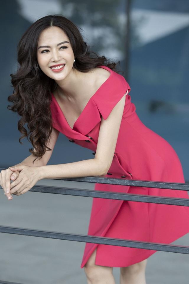 Gặp Thu Thủy ở hiện tại, dù đã bước sang tuổi 42 nhưng Hoa hậu Việt Nam 1994 vẫn giữ được hình ảnh một người đẹp rạng rỡ, tự tin và quyến rũ.