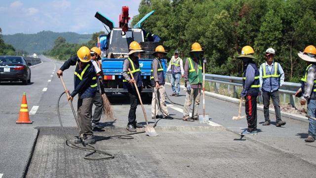 Phát hiện vết dầu loang bất thường trên cao tốc Đà Nẵng - Quảng Ngãi - 5