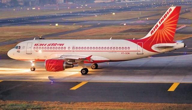 Nữ tiếp viên hàng không Ấn Độ vẫn trong tình trạng nguy kịch sau khi bị rơi từ độ cao 9m xuống đất