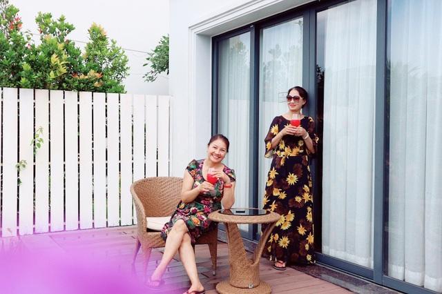 Bảo Thanh khoe mẹ chồng, mẹ đẻ gợi cảm không ngờ trong chuyến du lịch chung - 19