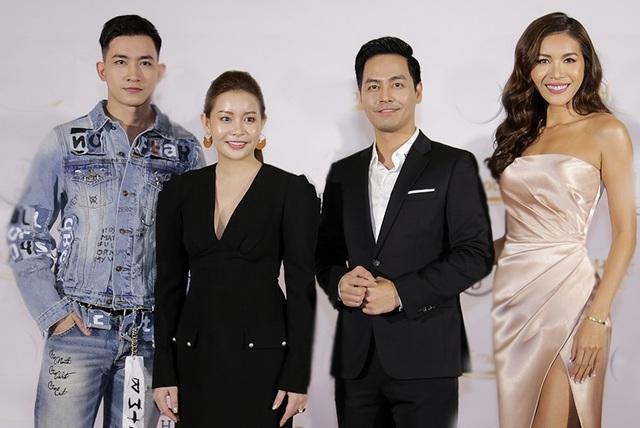 Minh Tú bên cạnh MC Phan Anh và Hoa hậu Hải Dương - người nắm giữ bản quyền cuộc thi cũng là người chọn Minh Tú trở thành đại diện nhan sắc Việt trong cuộc thi năm nay.