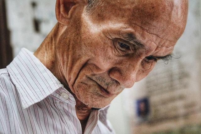 Ở tuổi 85, cụ Linh hiện đang là chủ tịch Hội thơ đường Luật quận Bắc Từ Liêm.