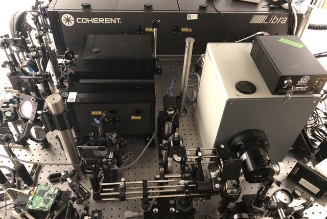 Camera với tốc độ 10 nghìn tỷ FPS, có thể ghi lại chuyển động của phân tử ánh sáng - 1