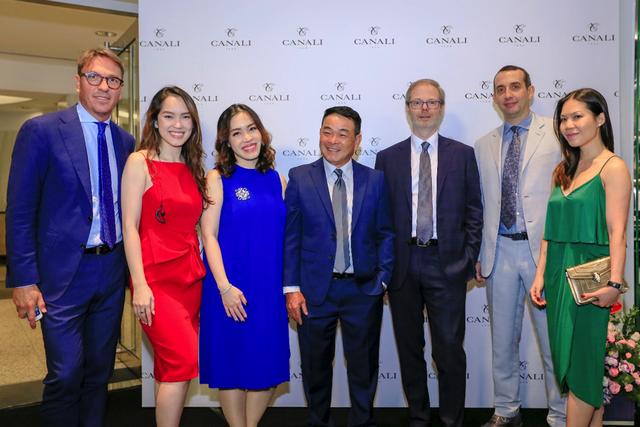 Các đại diện của tập đoàn Canali – thương hiệu menswear cao cấp đến từ Ý cùng ban lãnh đạo công ty thời trang Danti – đơn vị phân phối độc quyền thương hiệu Canali tại Việt Nam.