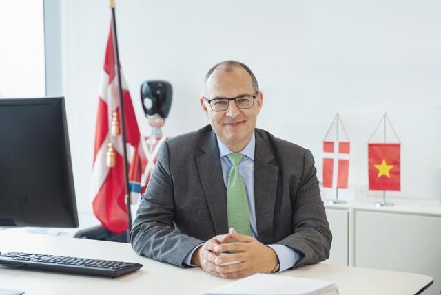 Đại sứ Kim Højlund Christensen chia sẻ ông ấn tượng với Việt Nam ngay từ lần đầu gặp mặt. (Ảnh: Đại sứ quán Đan Mạch)