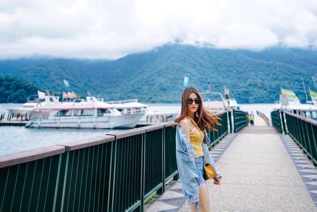 Khung cảnh thiên nhiên thơ mộng ở hồ Nhật Nguyệt.