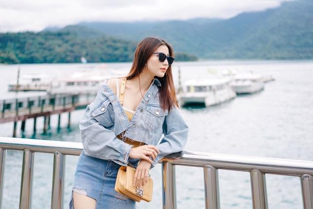 Diễn viên có dịp ghé thăm những địa danh nổi tiếng như: Hồ Nhật Nguyệt.