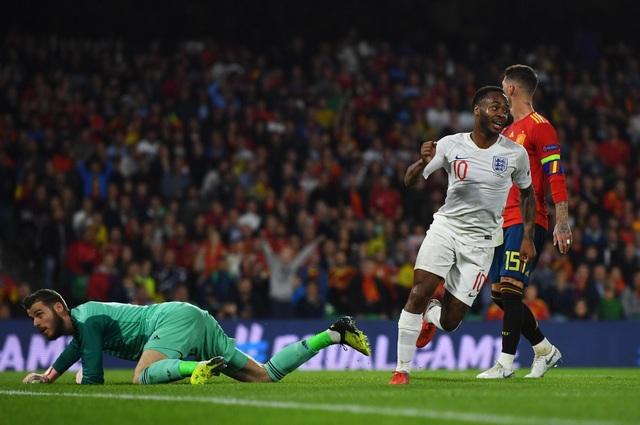 Tây Ban Nha lần đầu để thủng lưới 3 bàn trên sân nhà trong trận đấu chính thức
