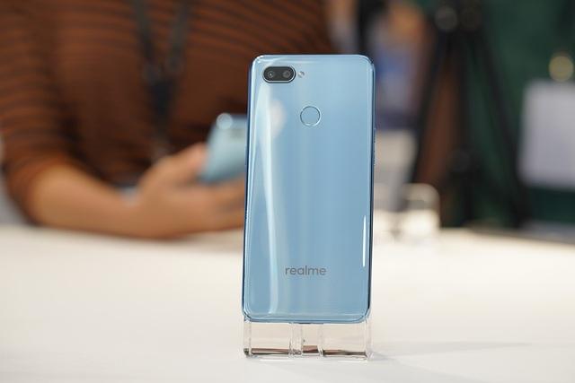 """Realme gây sốc với smartphone """"tai thỏ"""" giá 2,5 triệu đồng - 6"""