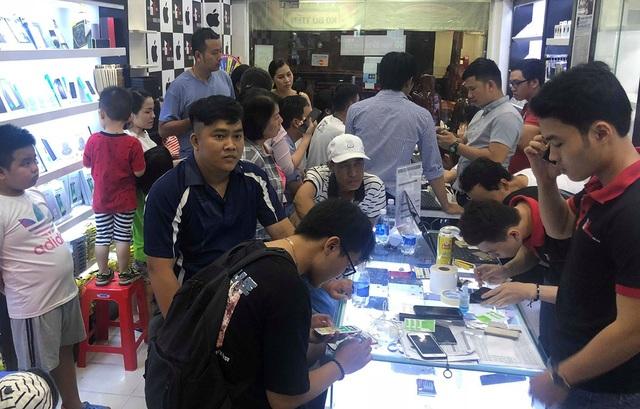 iPhone XS Max hút khách tại TPHCM