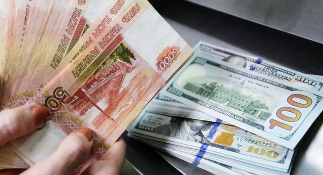 Nga lên kế hoạch giảm vai trò của đồng USD trong nền kinh tế Nga (Ảnh: Sputnik)