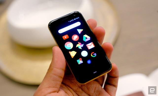 Palm khiến nhiều người hồi tưởng về những chiếc smartphone ra đời cách đây chục năm