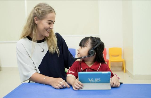 Học với phần mềm Imagine Learning English giúp tăng sự tự giác học tập ở trẻ.