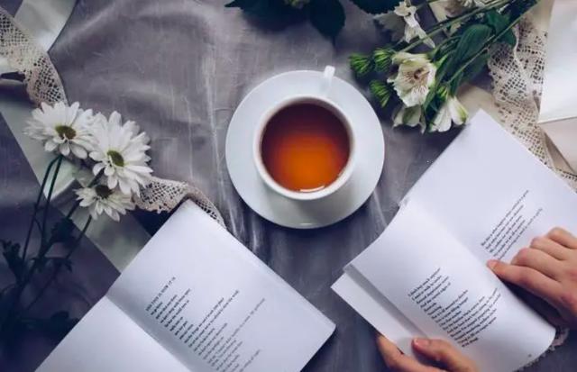 Không giống cà phê, bạn khó nghiện trà hơn do hàm lượng caffein thấp hơn.