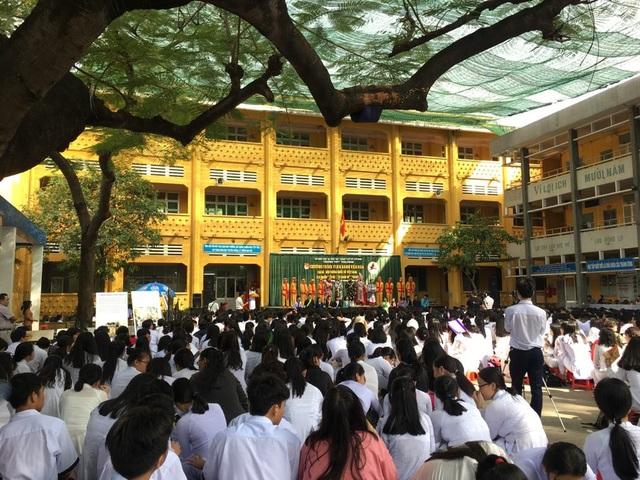 Anh Hồ Nhựt Quang cho biết thêm, câu lạc bộ cùng các nghệ sĩ thực hiện chương trình nhằm mục đích đồng hành cùng với nhà trường, giúp các em học sinh yêu hơn bộ môn lịch sử, đồng thời hiểu hơn về văn hóa cùng nhiều cột mốc quan trọng của lịch sử.