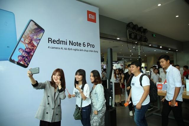 Xiaomi Redmi Note 6 Pro xác lập kỷ lục selfie tại Việt Nam trong 3 phút - 1