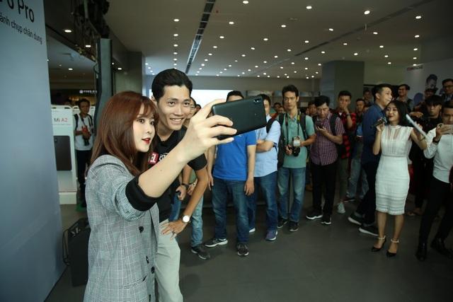 Xiaomi Redmi Note 6 Pro xác lập kỷ lục selfie tại Việt Nam trong 3 phút - 7