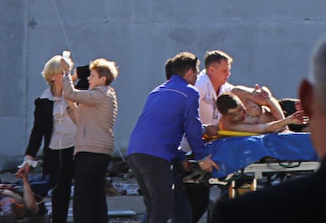Các nạn nhân được trợ giúp tại hiện trường